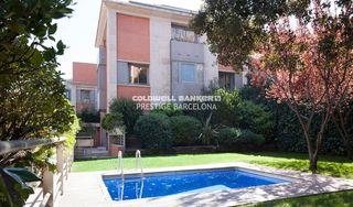 Casa Pleno Sarrià. Con piscina y jardín privado