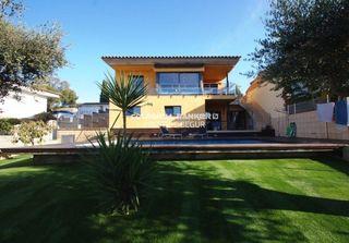 Casa a Escala (L´). En venta villa de alto standing situada en l´escala, costa brava