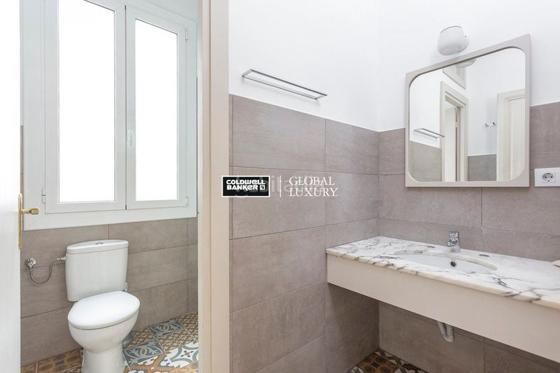 Baño. Rent flat with heating in Dreta de l´Eixample Barcelona
