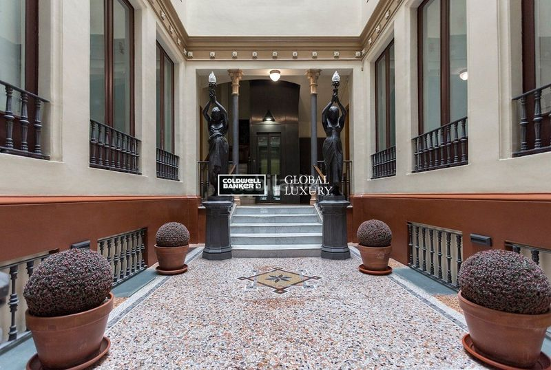 Hall. Rent flat with heating in Dreta de l´Eixample Barcelona