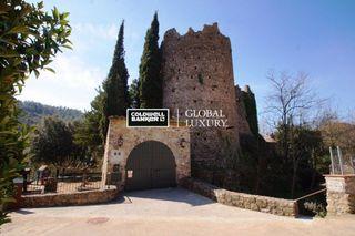 Casa en Sant Llorenç de la Muga. En venta especial propiedad de estilo masía en el municipio de s