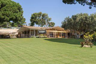 Casa in Canafort-El Puntó. Preciosa casa de estilo mediterráneo en parcela de 4.000 m2