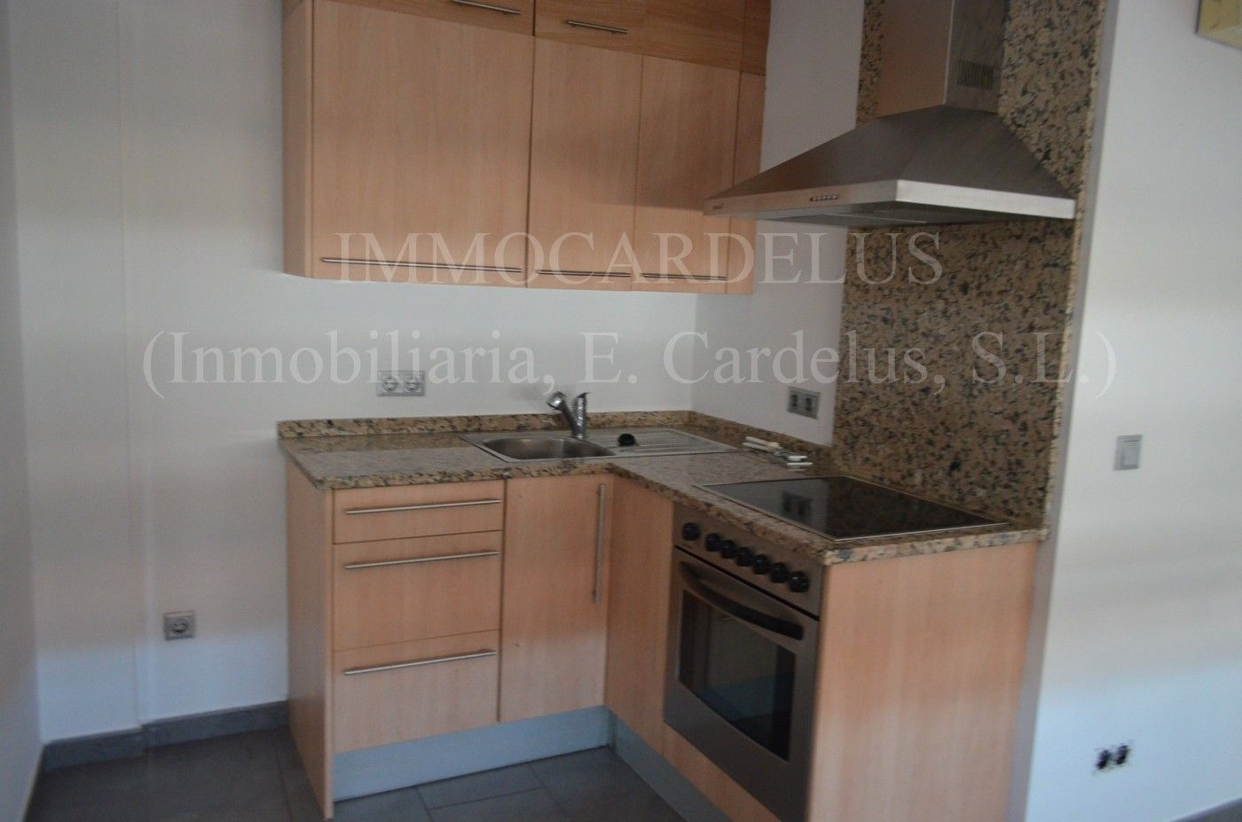 Location Appartement  Aldi. Piso seminuevo