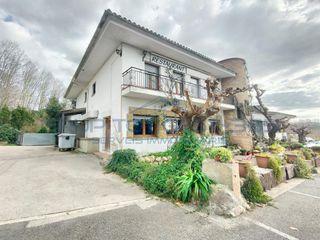 Casale in Massanes. Masía con 6 habitaciones, parking, calefacción y terraza