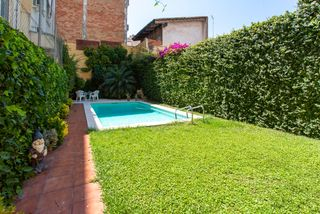 Semi detached house in Carrer major, 39