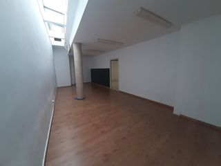 Location Local commercial  Centro. Local en venta y en alquiler