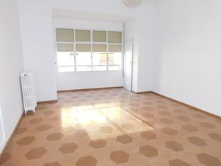 Rent Flat in Centre. 170m2 con terraza