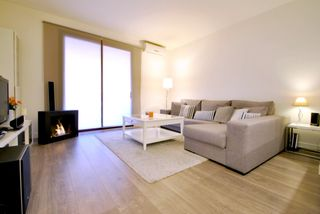 Rent Flat in Carrer borrell, 35