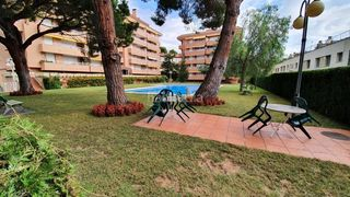 Appartement  Carrer garbí. Junto la playa y  port balís