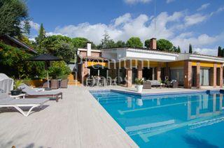 Haus in Bellaterra. Casa con 7 habitaciones, piscina, calefacción, aire acondicionad