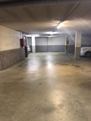 Location Parking voiture  Carrer francesc tarafa. Coche grande