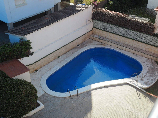 Penthouse in Terramar-Vinyet. Ático exterior con piscina y par