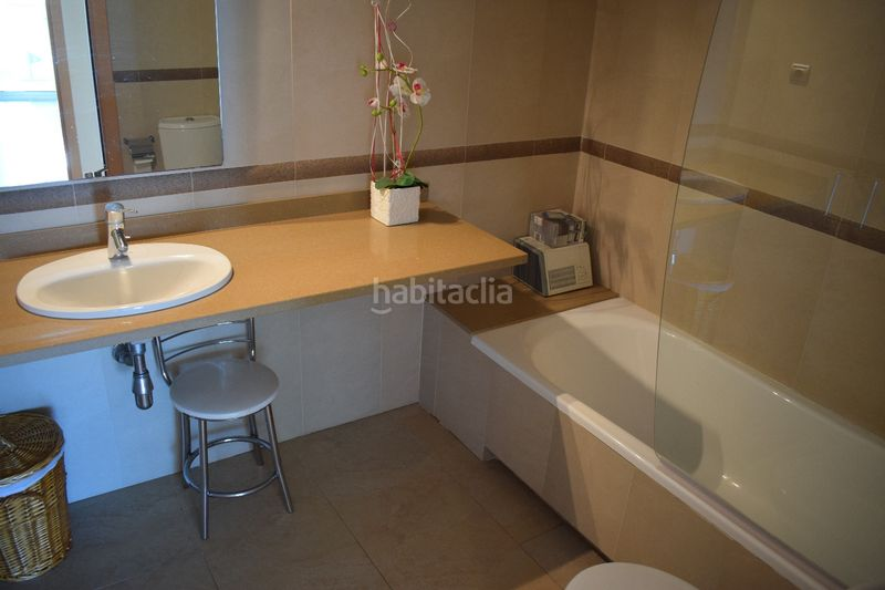 baño. Appartement mit heizung parking pool in Platja-Els Munts Torredembarra