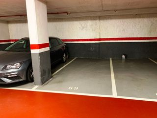 Parking coche en Carrer Equador (l´), 101
