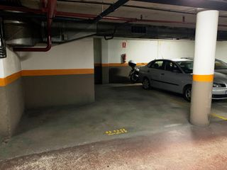 Parking coche en Carrer Rocafort, 67
