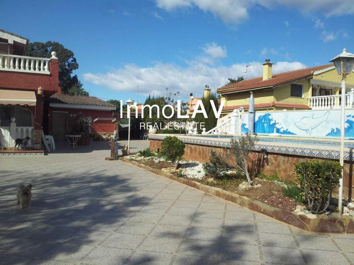 Casa en Cheste. Cheste - urb. altamar - pza. garage - piscina con solarium - pae