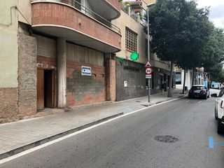 Alquiler Local Comercial en Carrer carrasco formiguera, 23. Local de 212m2 al centre.