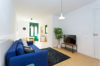 Holiday lettings Apartment in Carrer mallorca, 616. Espacioso inmueble de temporada