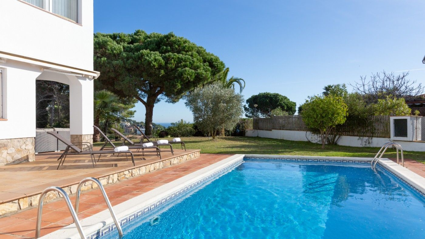 Holiday lettings House in Avinguda costa de llevant, 85. Villa con vista al mar