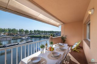 Appartement  Alberes. Vistas al canal con parking