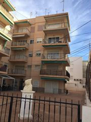 Flat in Calle cartagena, 6