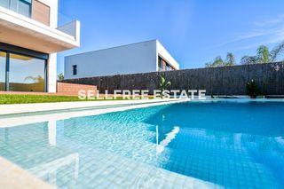 Chalet Els Molins-Poble Sec. Spettacolare villa di nuova costruzione