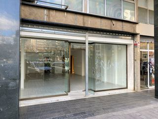 Local Comercial en Carrer Deu I Mata, 154