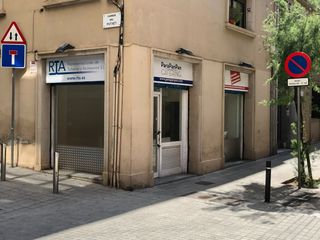 Location Local commercial dans Carrer rios rosas, 46. Local esquinero en putxet