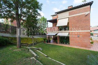 House in La Miranda-Can Candeler. Alta gama