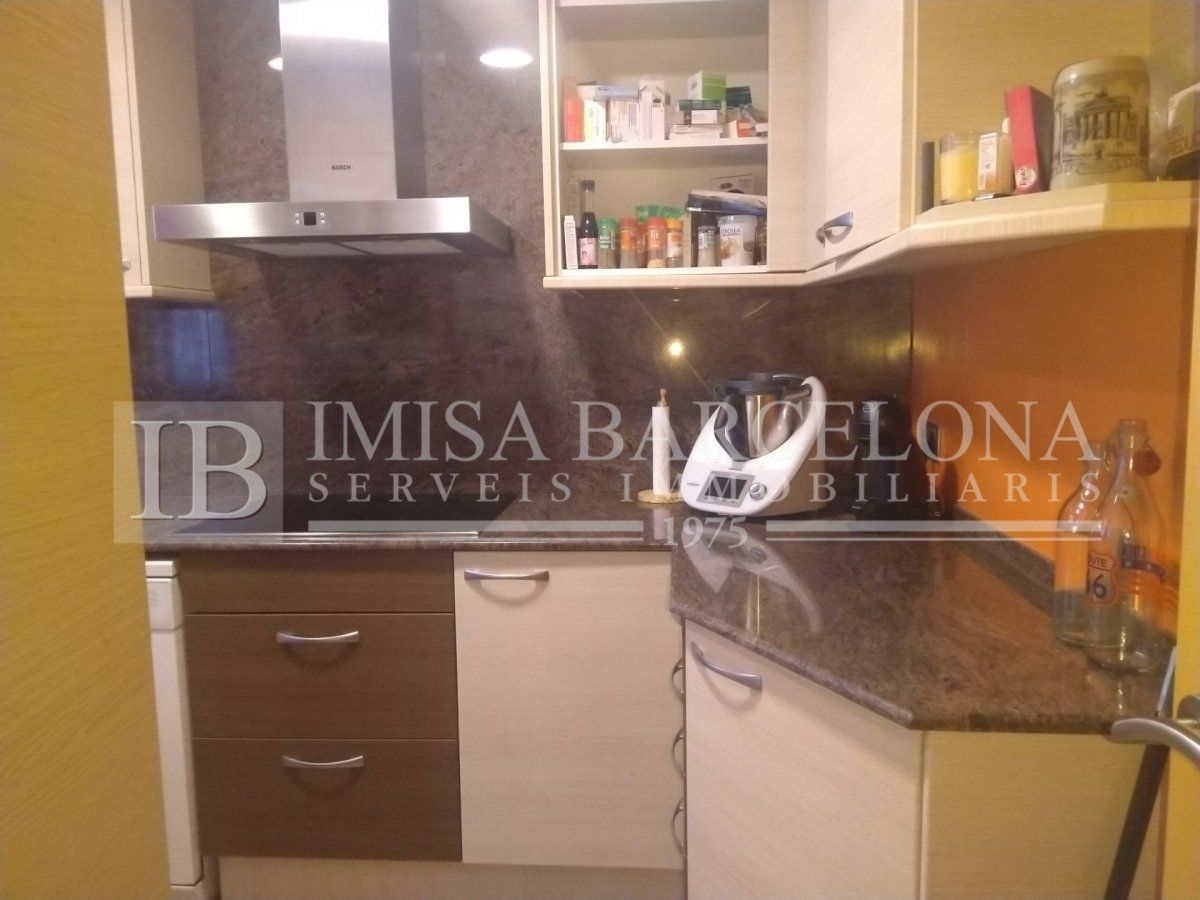 Semi detached house  Carrer sant salvador. Casa en perfecto estado