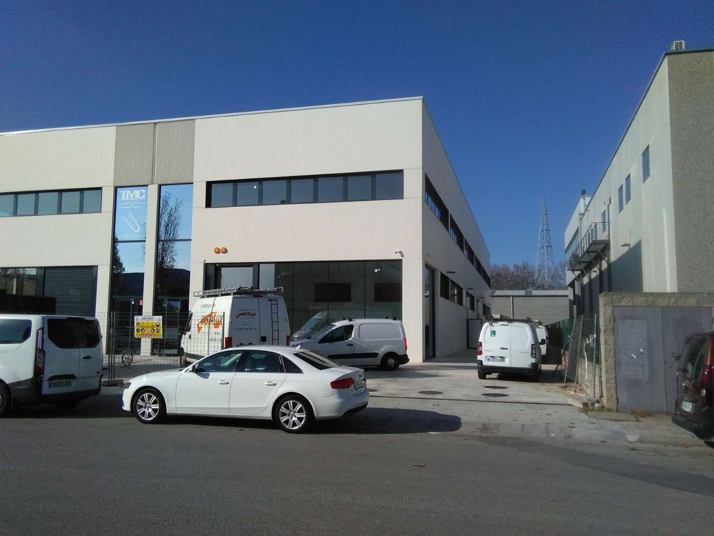 Affitto Capannone industriale in Mas Xirgu. Amb parking inclòs per clients