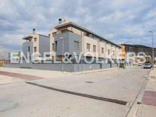Casa adossada en Pueblo de Cullera. Obra nueva. Obra nova