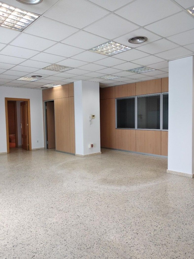 Office space in Carrer cisquer, 7. Oficinas en venta