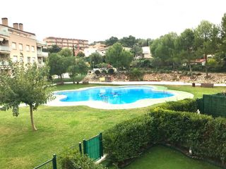 Rent Apartment  Carrer tramuntana (de la). Luminoso, 3 hab, piscina y pk