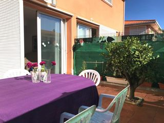 Semi detached house in Carrer merce rodoreda (de), 14. Adosado en venta. urb. solemio