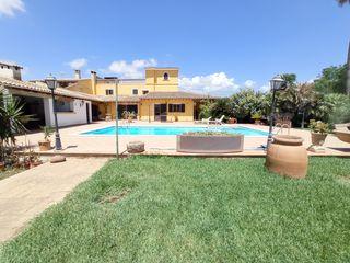 Maison  Camí des raiguer. Casa con 4 habitaciones amueblada con parking, piscina, calefacc