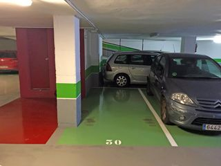 Car parking in Carrer roger de flor, 276. Plaza para coche pequeño