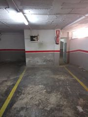 Car parking  Carrer velazquez. Parking  maurina