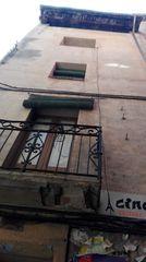 Otros inmuebles en C/ escasany, 32. Edifici als peus del castell