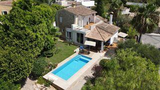 Chalet  Costa de la calma. Chalet con jardín y piscina