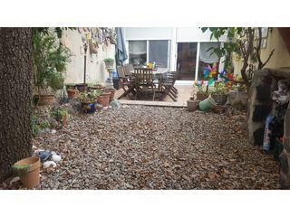 Casa en Ca n´Aurell. Casa seminueva 2004 3 hab + 2 estudios con terrazas y jardín en