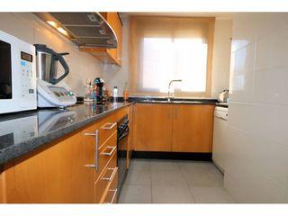 Dúplex en Sant Pere Nord. Bonito dúplex de 3 dormitorios de 85m2 con balcón y terraza en s