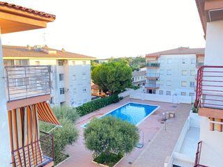 Appartamento  Avinguda parlament de catalunya. Pis moblat amb piscina i parking
