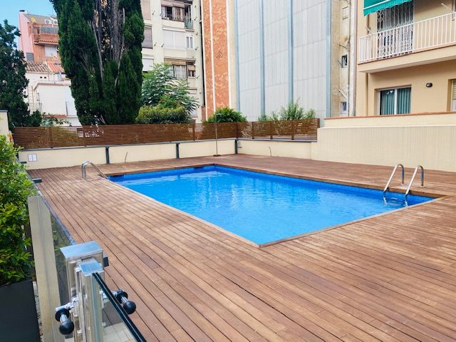 Rent Apartment in Carrer concepcion arenal, 302. Apartamento con piscina