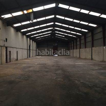 Nave industrial en Cheste. Naves industriales con oficina y entrada independiente
