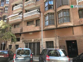 Büro  Calle gayano lluch. Oficina disponible