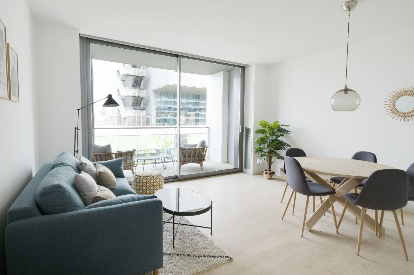 Rent Apartment in Carrer avila, 171. Obra nueva