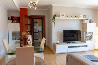 Piso  Carrer set lledoners. Impecable piso en eixample nord