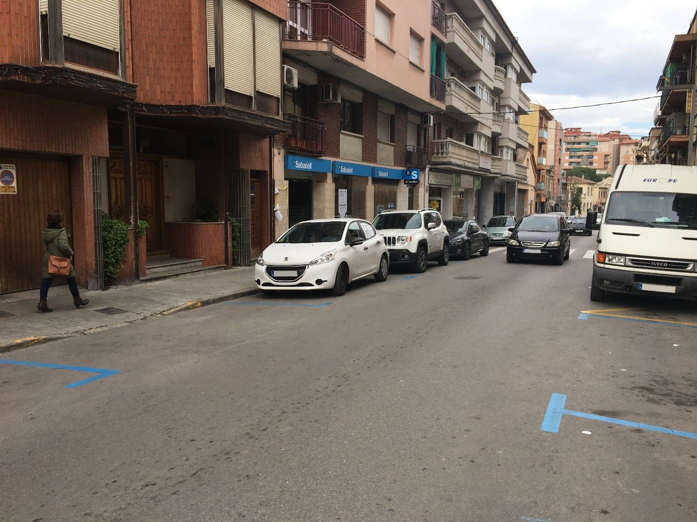 Location Local commercial  Carrer mossèn jacint verdaguer. Ideal para negocio comercial