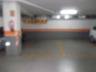 Car parking  Carrer pau claris